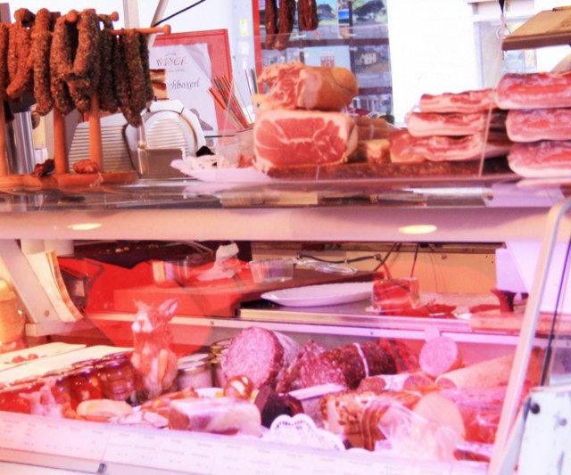 Содержание антибиотиков в мясе европейской и отечественной промышленности сравнили специалисты Роскачества